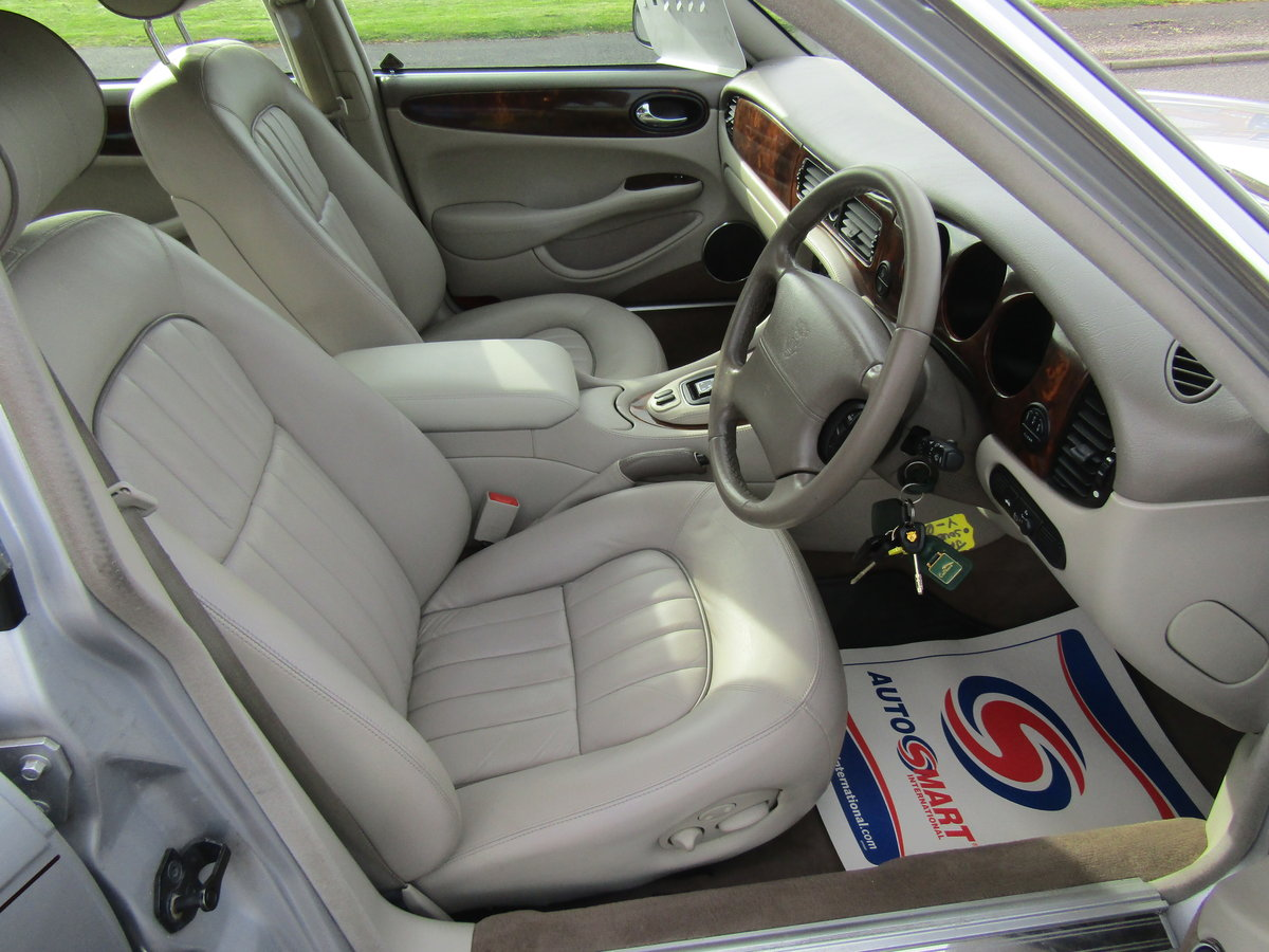 2001 1 Owner from New, Stunning car For Sale (picture 3 of 6)