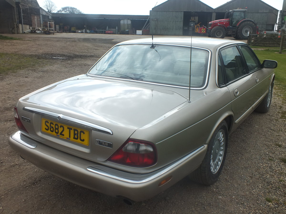 Amazing  1998 3.2 Auto XJ8 for year For Sale (picture 3 of 6)