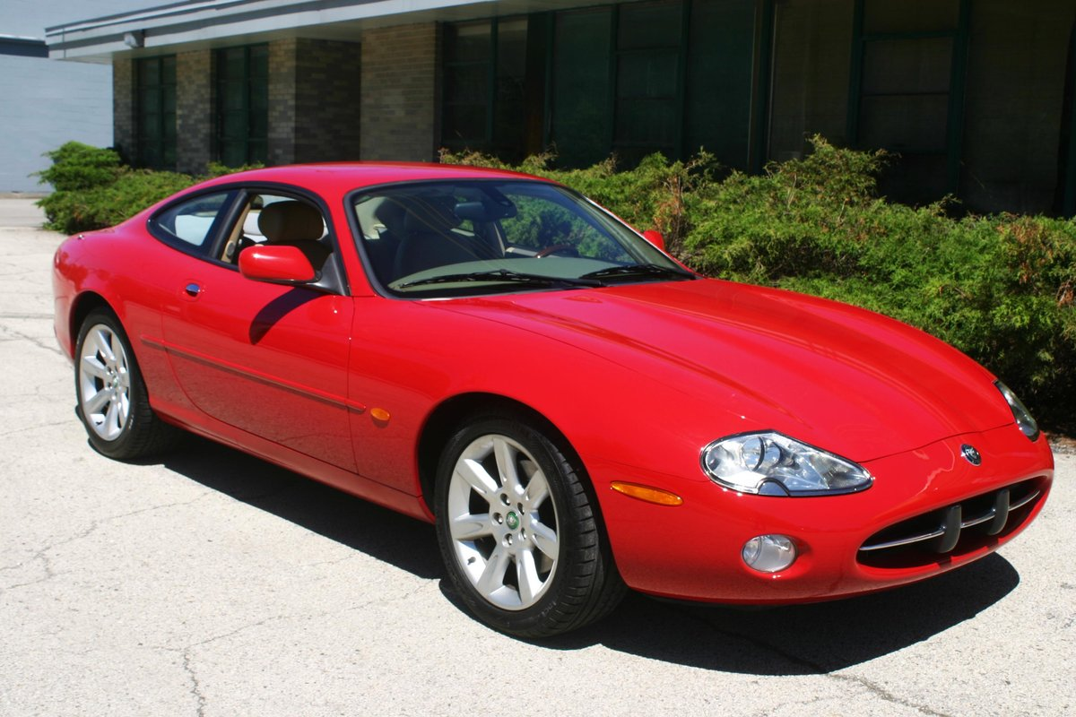2003 Jaguar XK8 For Sale (picture 2 of 6)