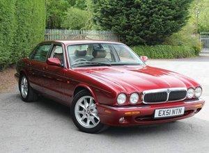 2001 Stunning low miles xj8 3.2 v8 x308 auto executive