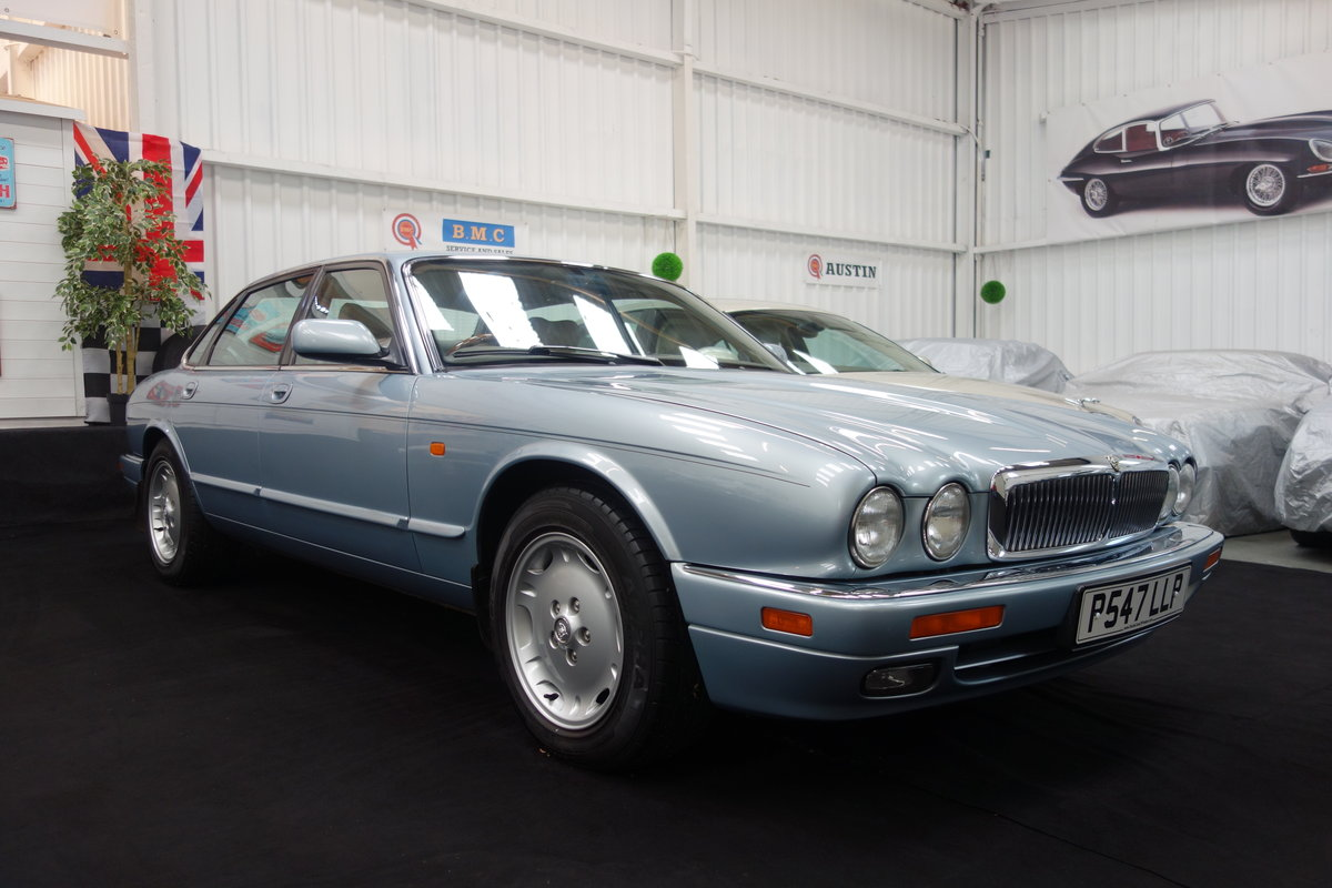 1996 Jaguar XJ6 3.2 Executive Beautiful condition throughout SOLD (picture 1 of 6)