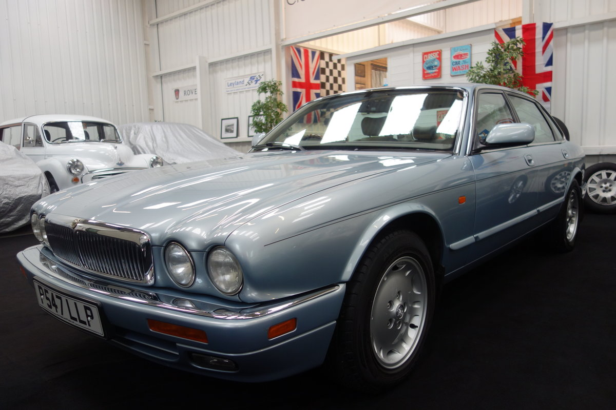 1996 Jaguar XJ6 3.2 Executive Beautiful condition throughout SOLD (picture 2 of 6)