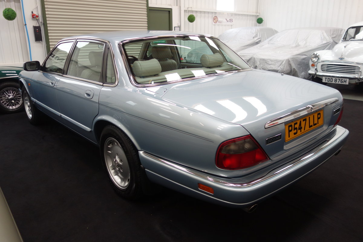 1996 Jaguar XJ6 3.2 Executive Beautiful condition throughout SOLD (picture 4 of 6)