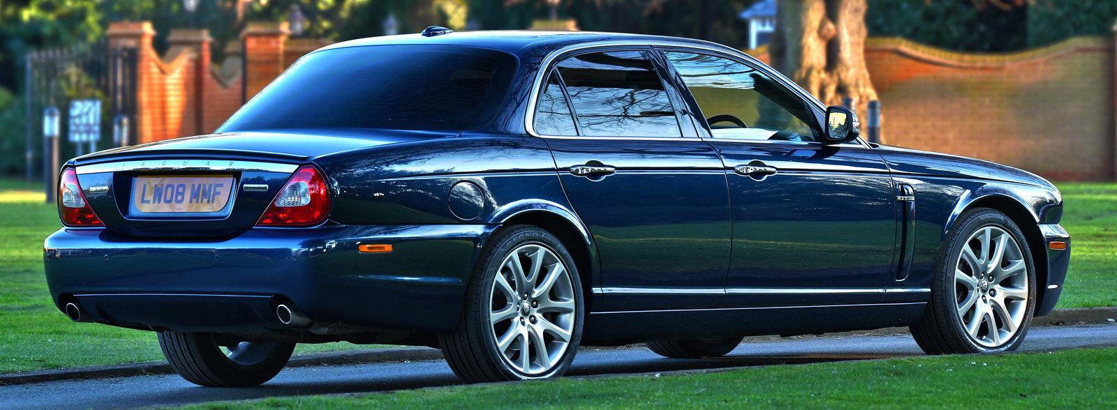 2008 Jaguar XJ8 Executive 4.2L For Sale (picture 2 of 6)