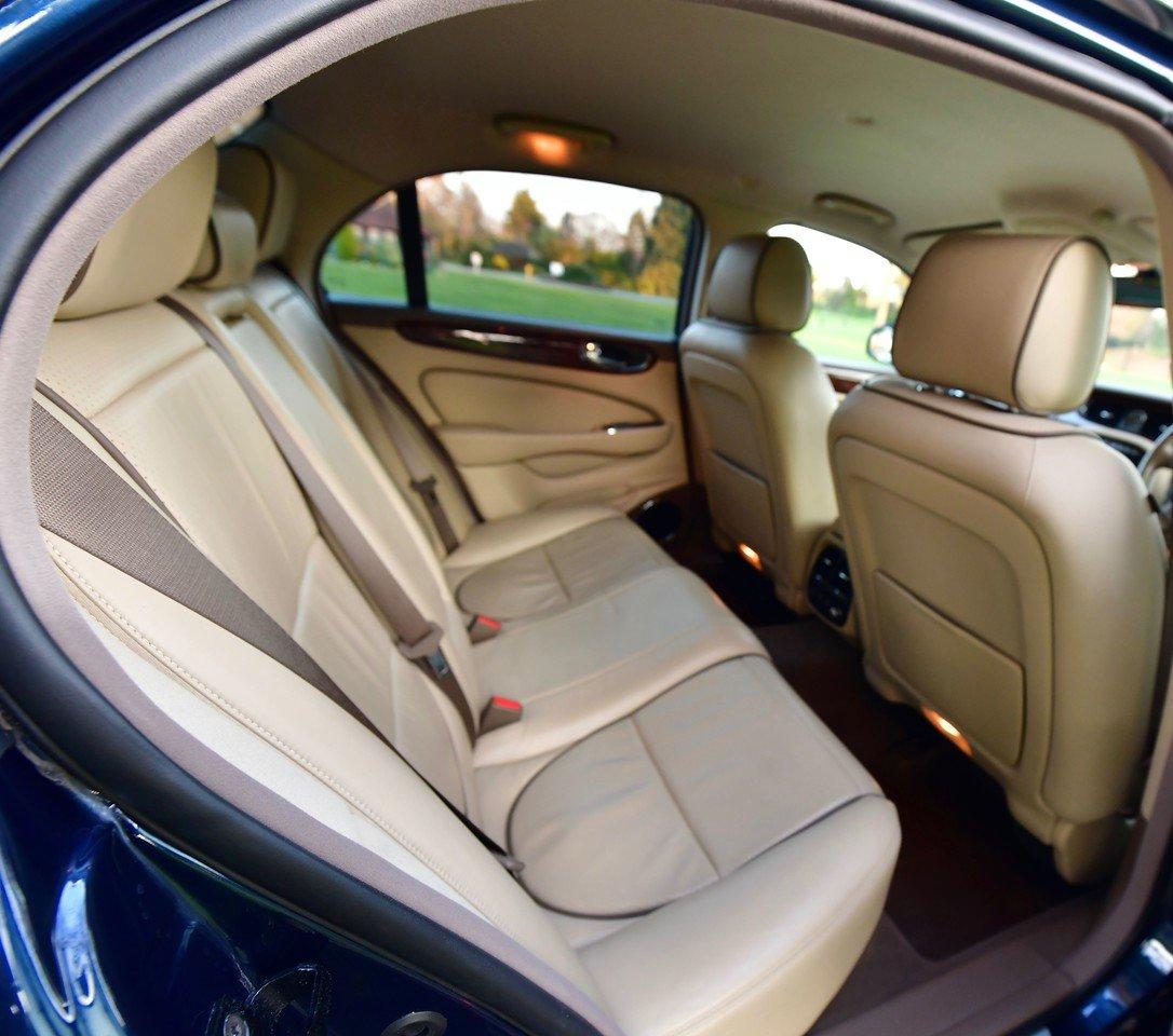 2008 Jaguar XJ8 Executive 4.2L For Sale (picture 5 of 6)