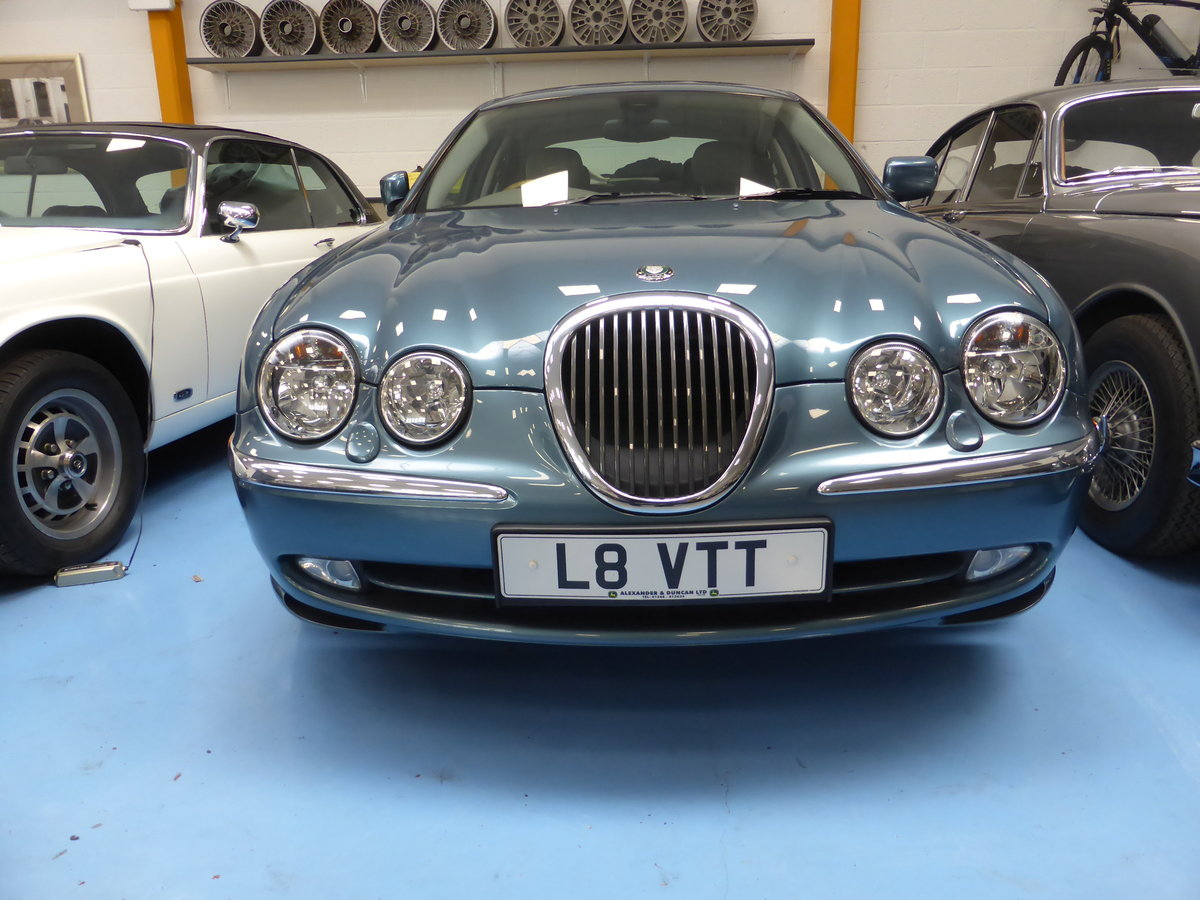 1999 Jaguar S-type V8 Saloon For Sale (picture 1 of 1)