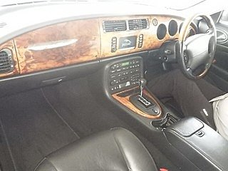 2003 Jaguar XKR 4.2 Supercharged facelift model totally original For Sale (picture 3 of 3)