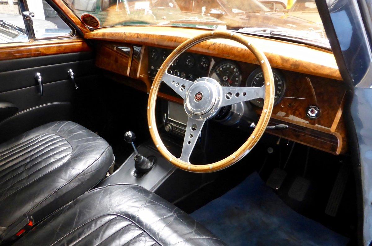 1967 Jaguar Mk II 3.4 Manual SOLD (picture 3 of 6)