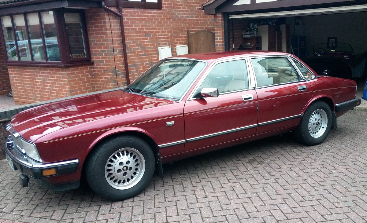 1990 4.0 Jaguar Sovereign For Sale (picture 1 of 6)