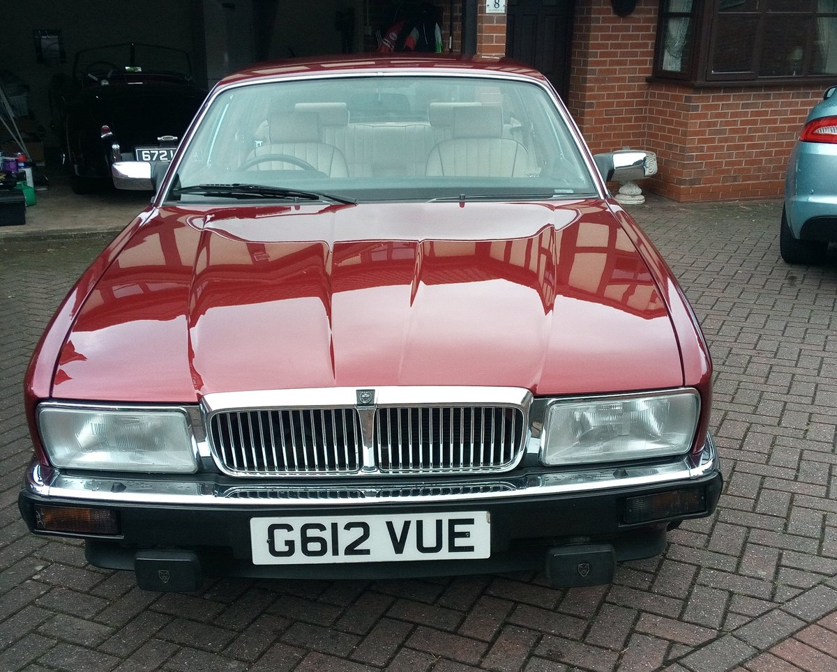 1990 4.0 Jaguar Sovereign For Sale (picture 5 of 6)