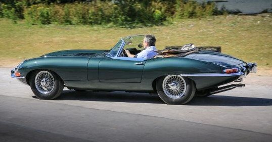 Very early 1961 E-Type Flat Floor Roadster For Sale