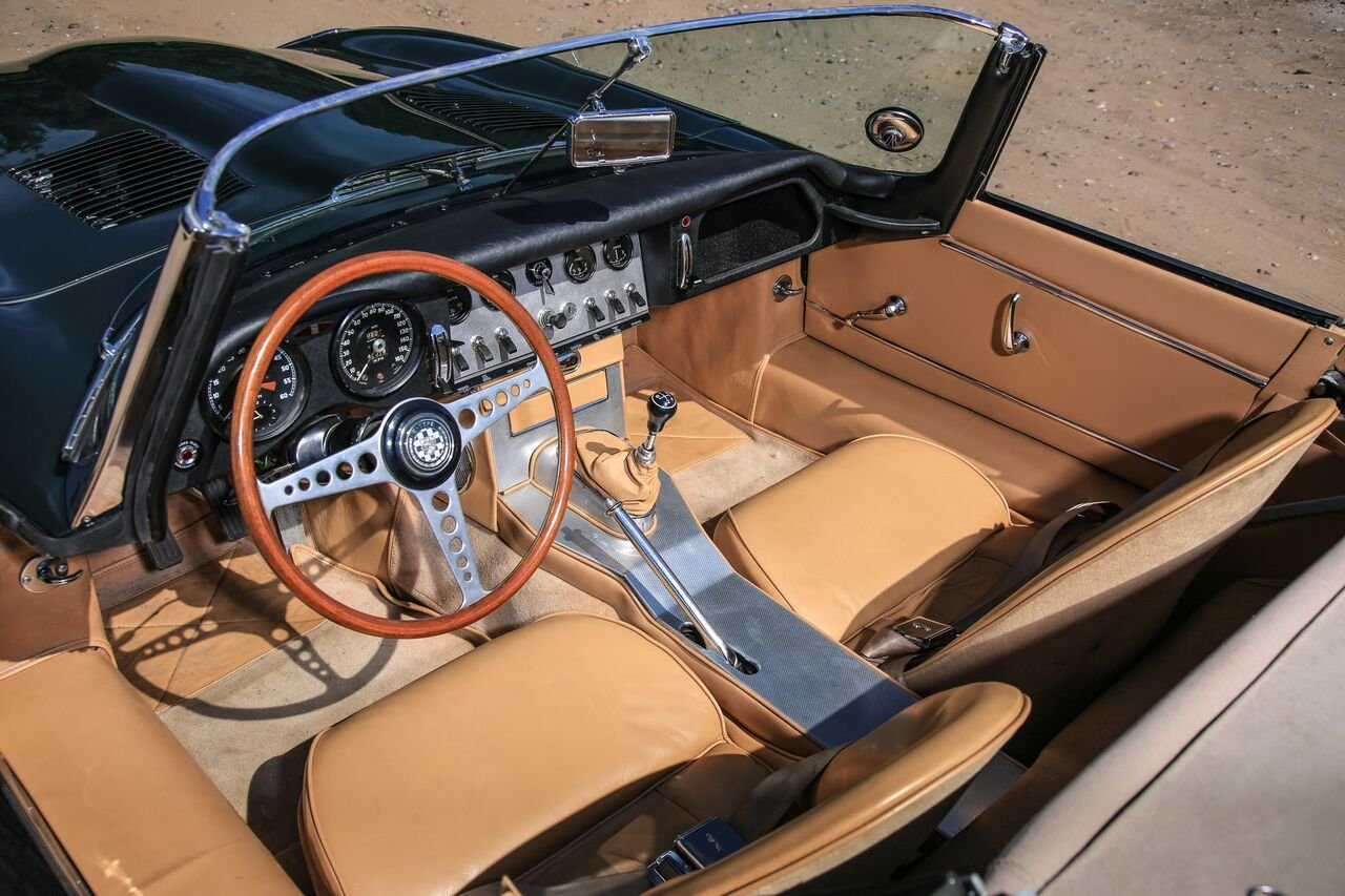 Very early 1961 E-Type Flat Floor Roadster For Sale (picture 5 of 6)