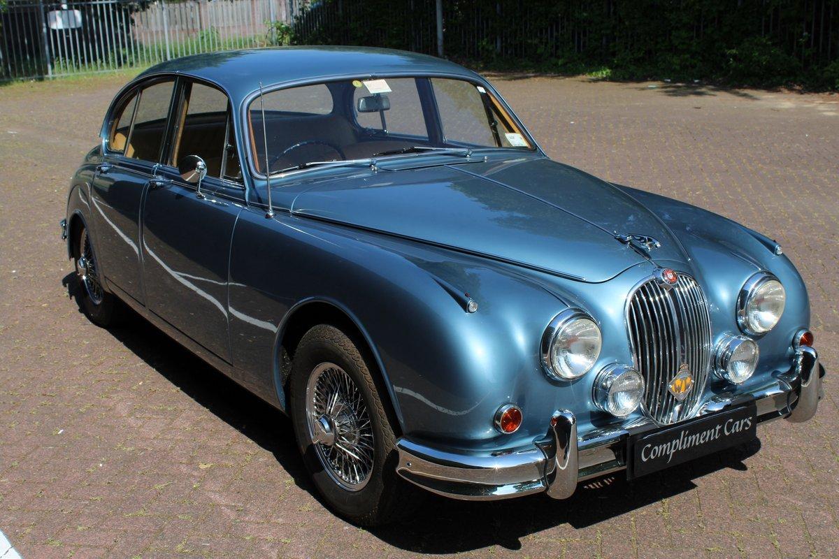 1961 Jaguar MK II € 24.900 SOLD | Car and Classic
