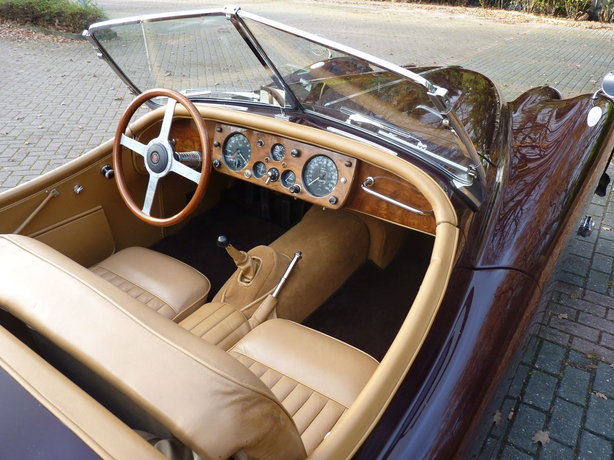 1956 Beautiful restored Jaguar XK140 OTS For Sale (picture 5 of 6)