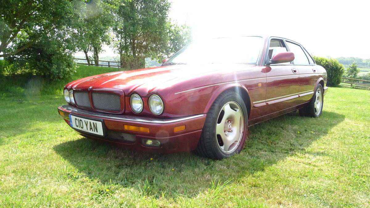 1997 Desirable XJR with less miles than most! For Sale (picture 2 of 6)