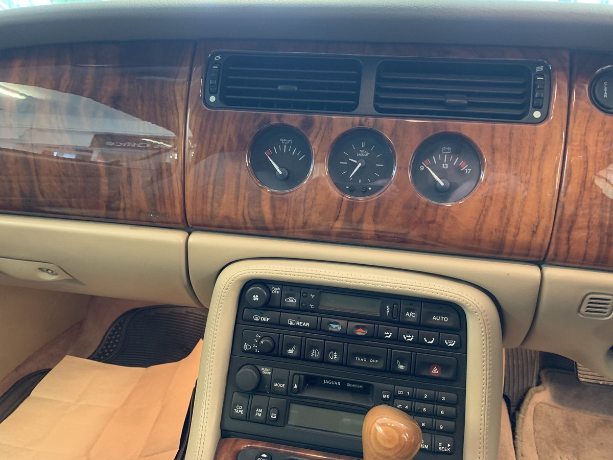 1999 Jaguar XKR – Supercharged – 370 BHP SOLD (picture 10 of 11)