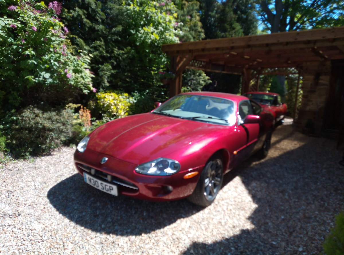 1998 JAGUAR XK8 IMMACULATE  EXAMPLE WITH FSH For Sale (picture 2 of 6)