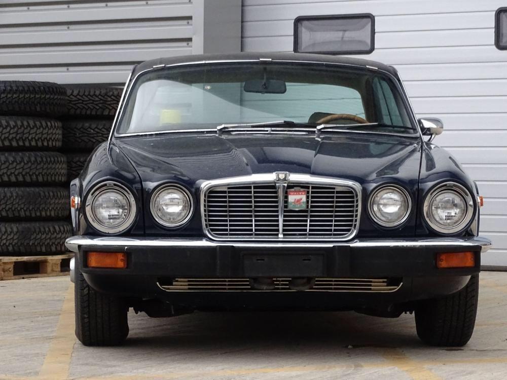 1976 Jaguar XJ6 C 4.2 Automatic SOLD (picture 2 of 6)