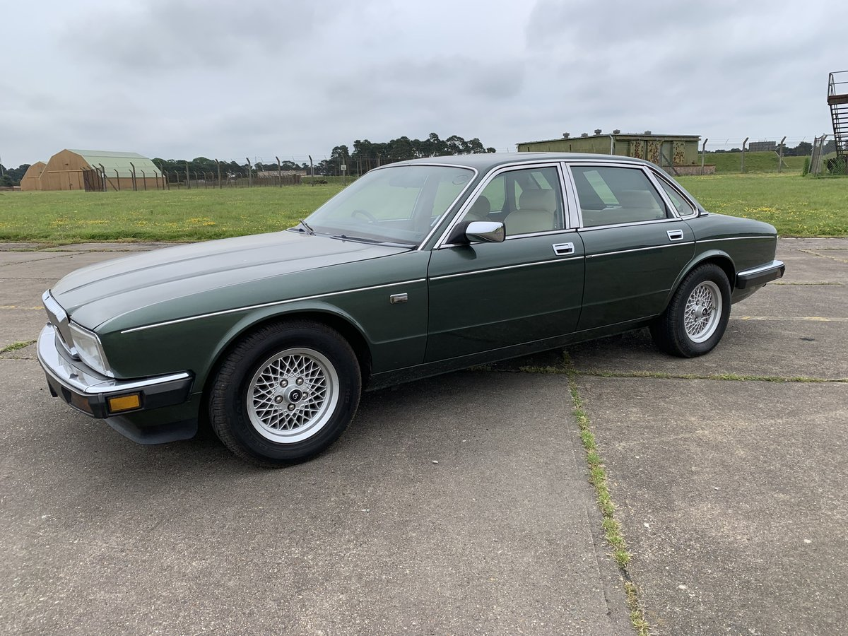 1989 Daimler XJ40 XJ6 For Sale (picture 1 of 6)