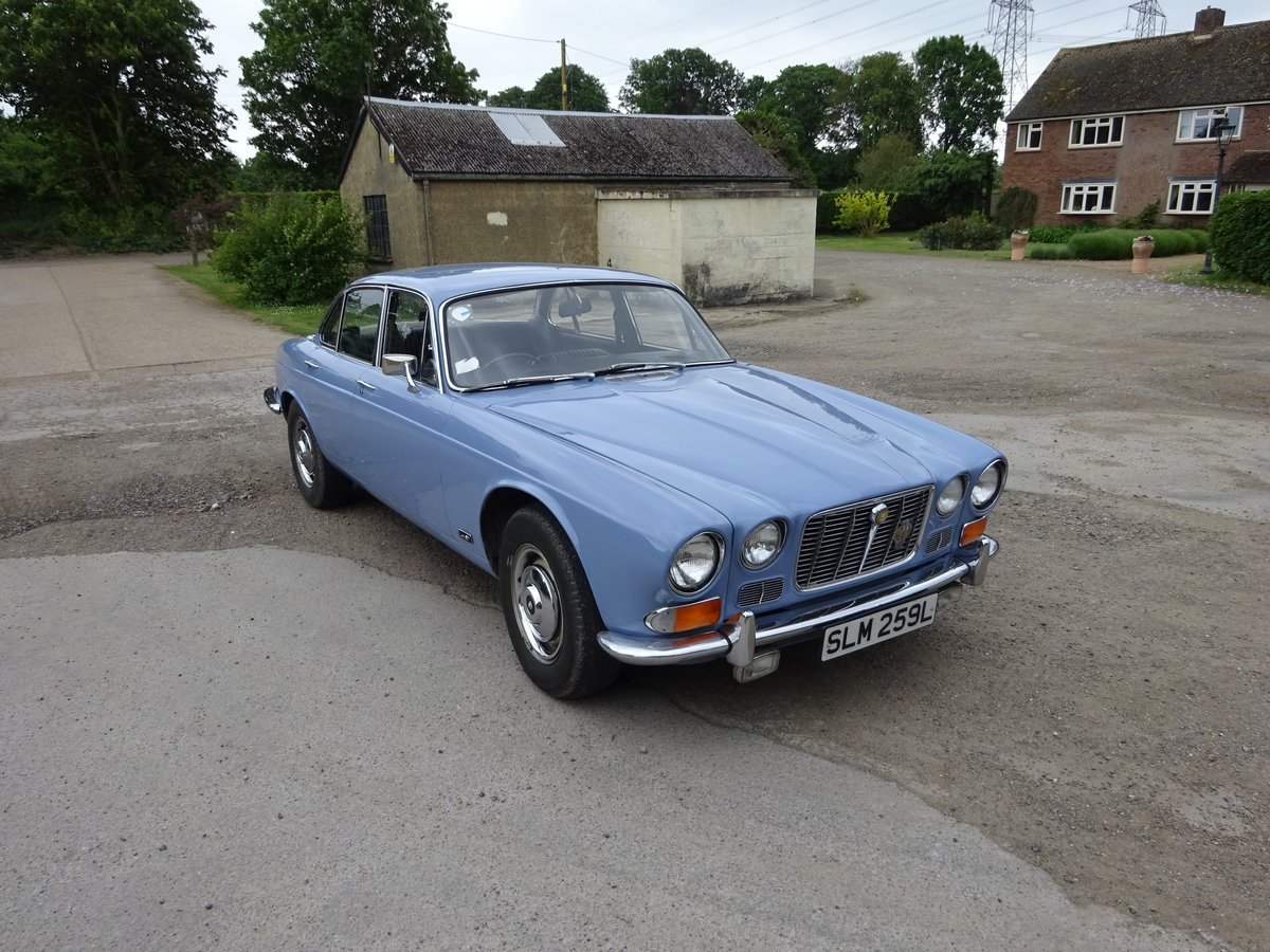 1972 Jaguar Series 1 XJ6 4.2 Manual with O/D For Sale (picture 1 of 6)