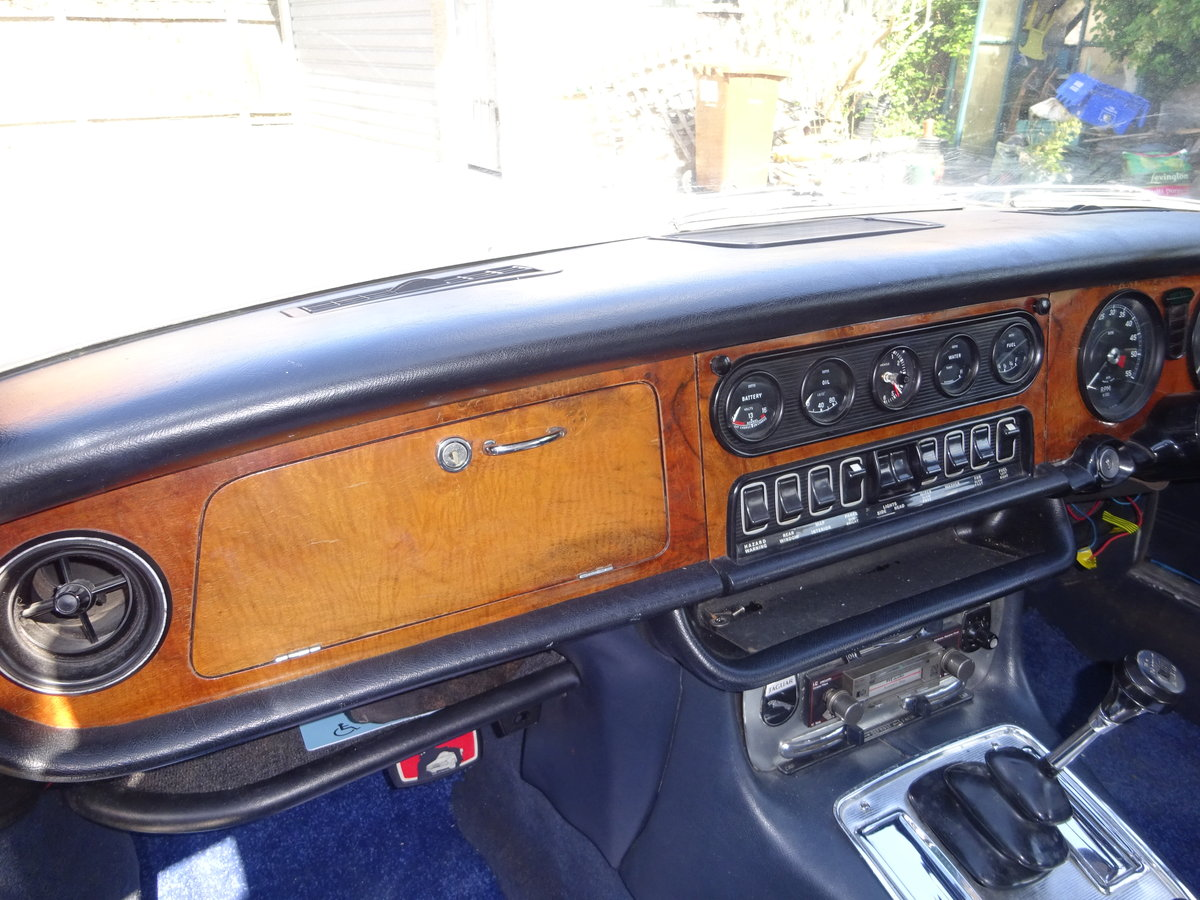 1972 Jaguar Series 1 XJ6 4.2 Manual with O/D For Sale (picture 3 of 6)