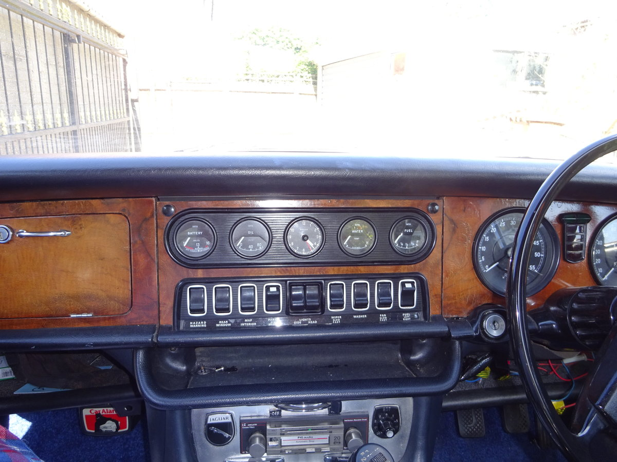 1972 Jaguar Series 1 XJ6 4.2 Manual with O/D For Sale (picture 5 of 6)