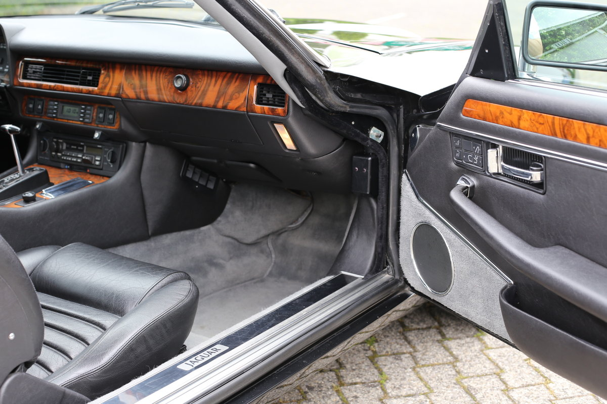 Rare European (German) specification 1992 facelift Jaguar XJ SOLD (picture 4 of 6)