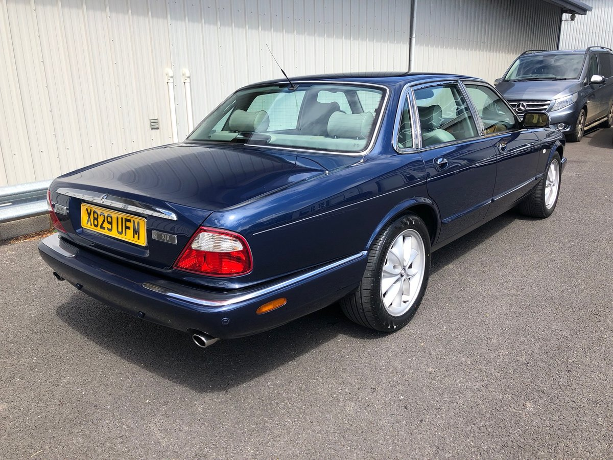 2000 X JAGUAR XJ XJ8 3.2 SOVEREIGN V8 AUTO 240 BHP EXECUTIVE For Sale (picture 3 of 6)
