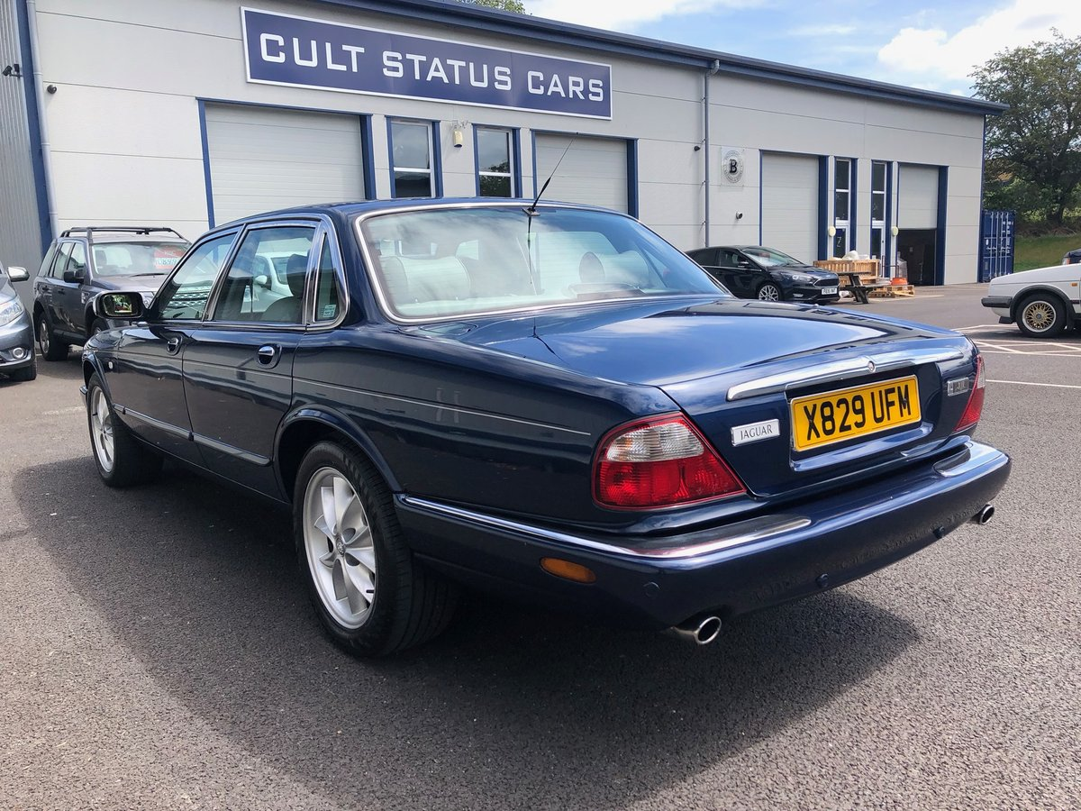 2000 X JAGUAR XJ XJ8 3.2 SOVEREIGN V8 AUTO 240 BHP EXECUTIVE For Sale (picture 4 of 6)