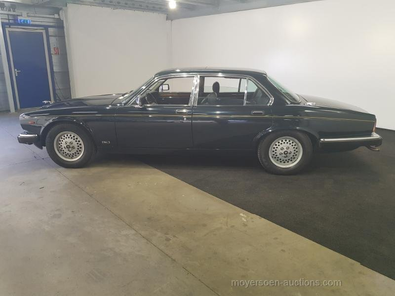 Jaguar XJ12 1991  For Sale by Auction (picture 2 of 6)