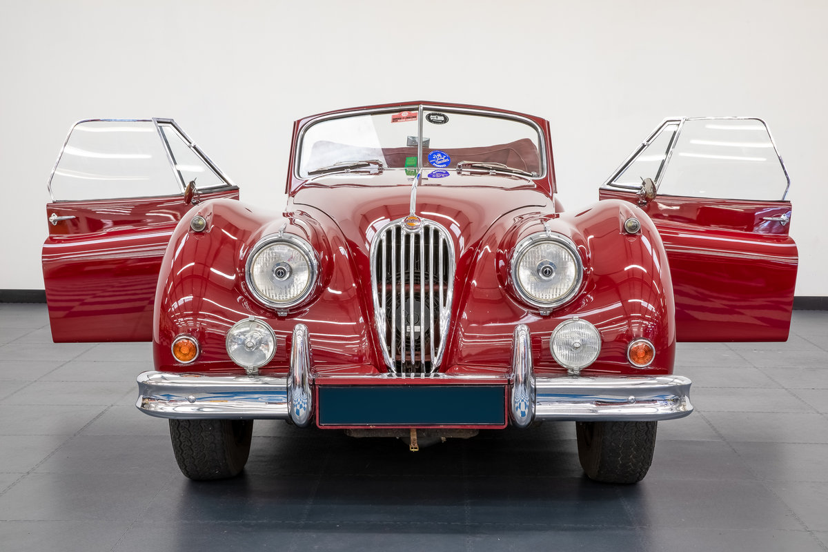Jaguar XK140 drophead 1955 For Sale (picture 4 of 6)
