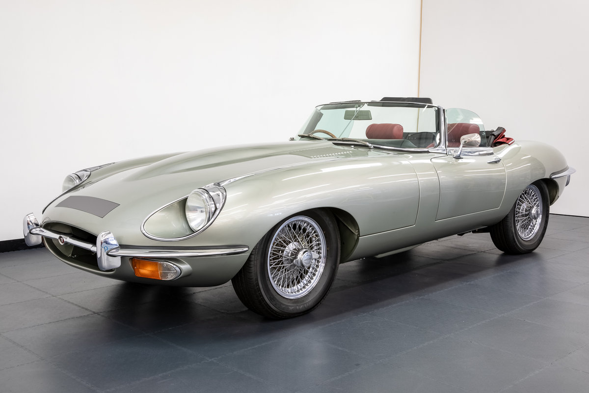 JAGUAR E-TYPE SERIES 2 ROADSTER 1968 For Sale (picture 1 of 6)