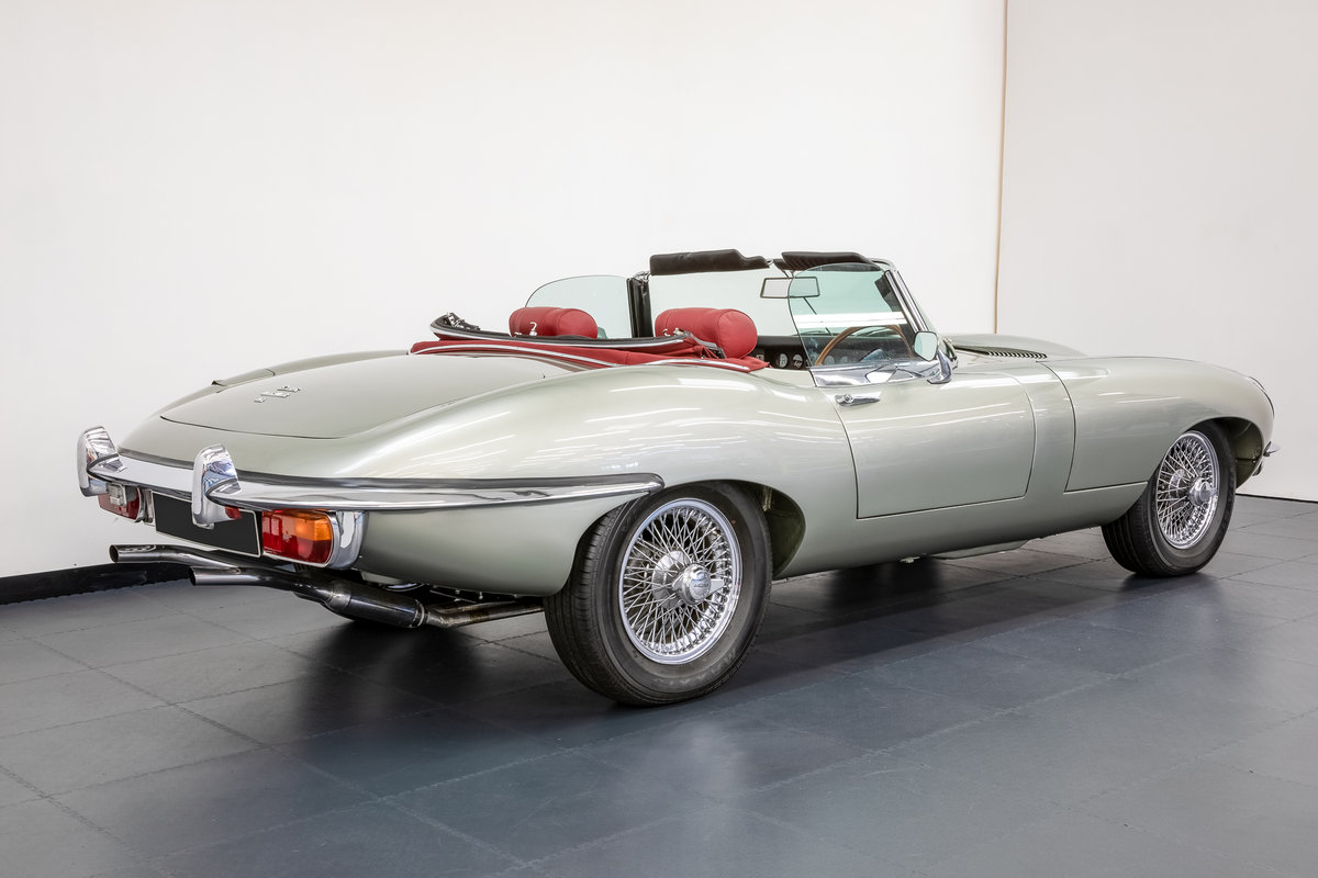 JAGUAR E-TYPE SERIES 2 ROADSTER 1968 For Sale (picture 2 of 6)