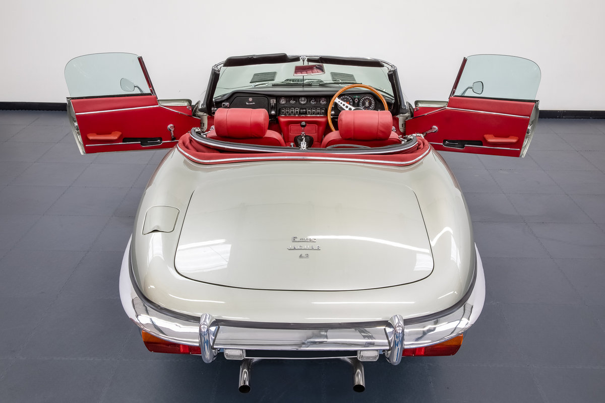 JAGUAR E-TYPE SERIES 2 ROADSTER 1968 For Sale (picture 4 of 6)