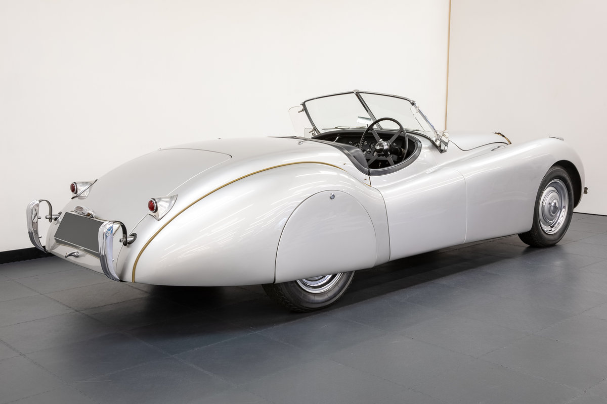 Jaguar XK120 Roadster Alloy Body 1949 For Sale (picture 2 of 6)