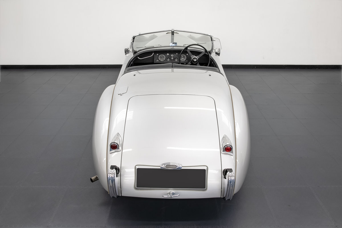 Jaguar XK120 Roadster Alloy Body 1949 For Sale (picture 4 of 6)