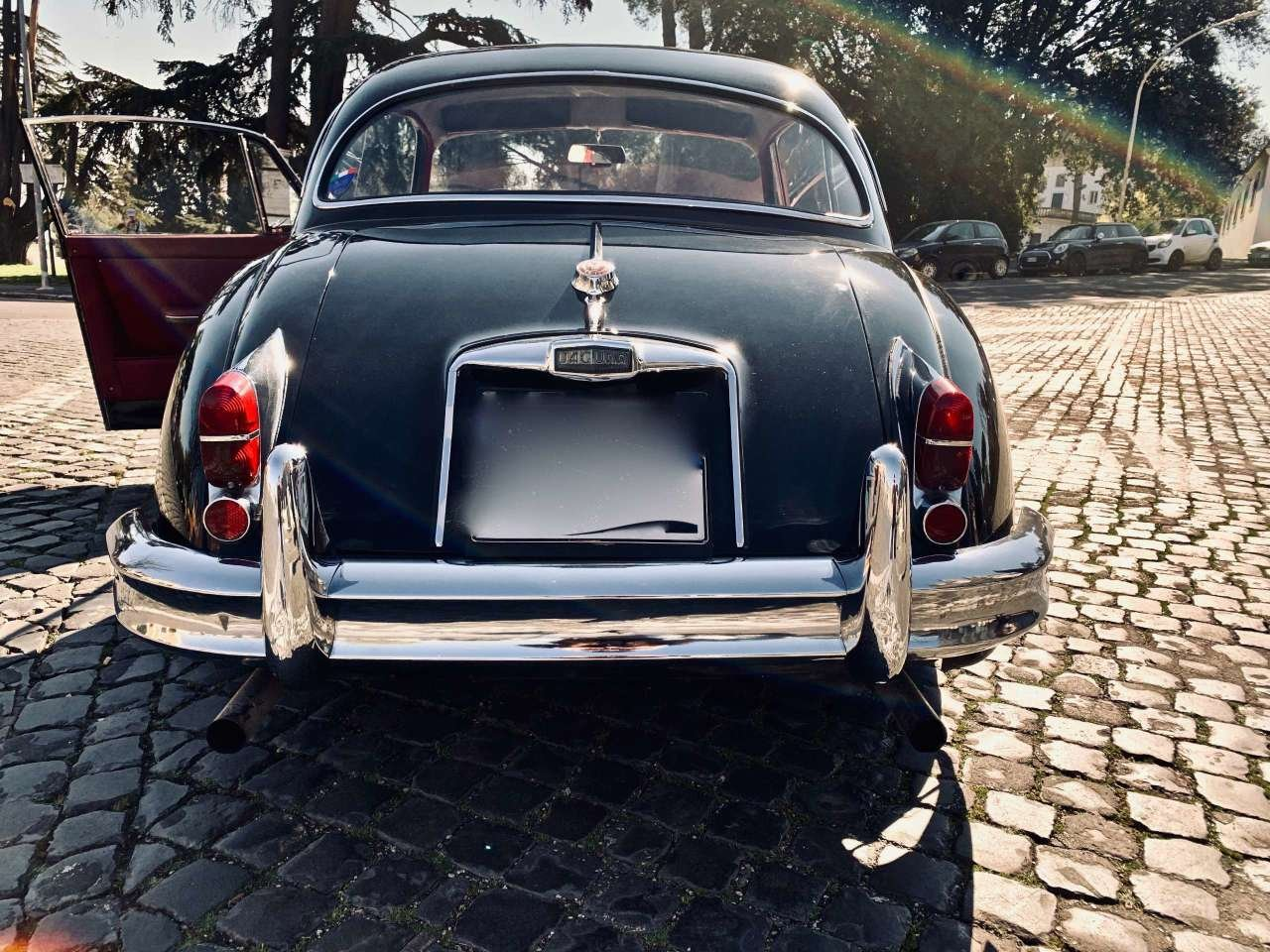 1961  jaguar xk xk 150 f.h.c. For Sale (picture 2 of 6)