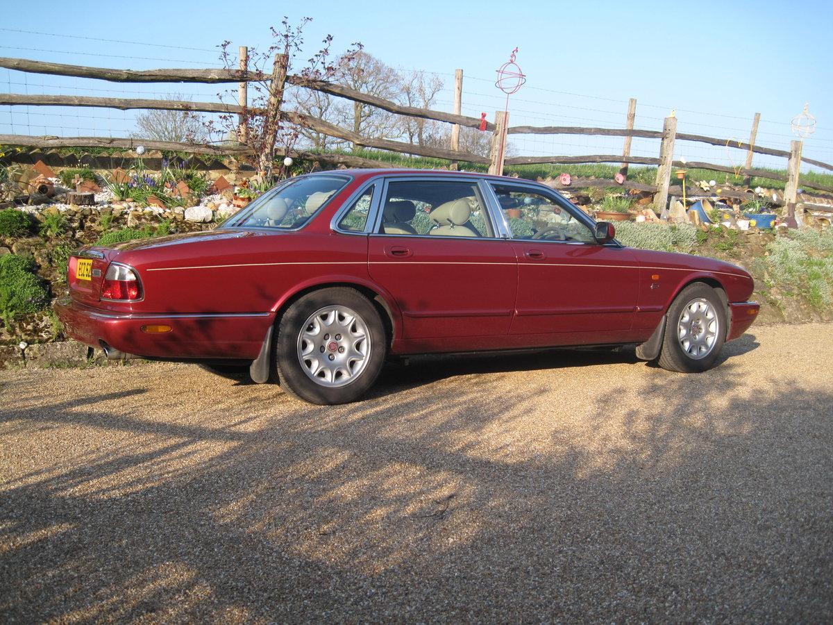 1999 Jaguar Sovereign SWB 4.0 litre V8  XJ8. For Sale (picture 2 of 6)