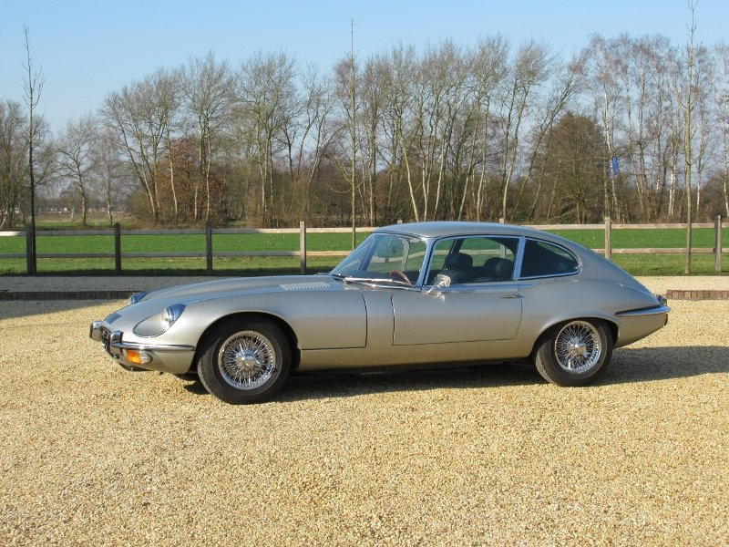 Jaguar E-type V12 2+2 LHD 1971 For Sale (picture 3 of 6)