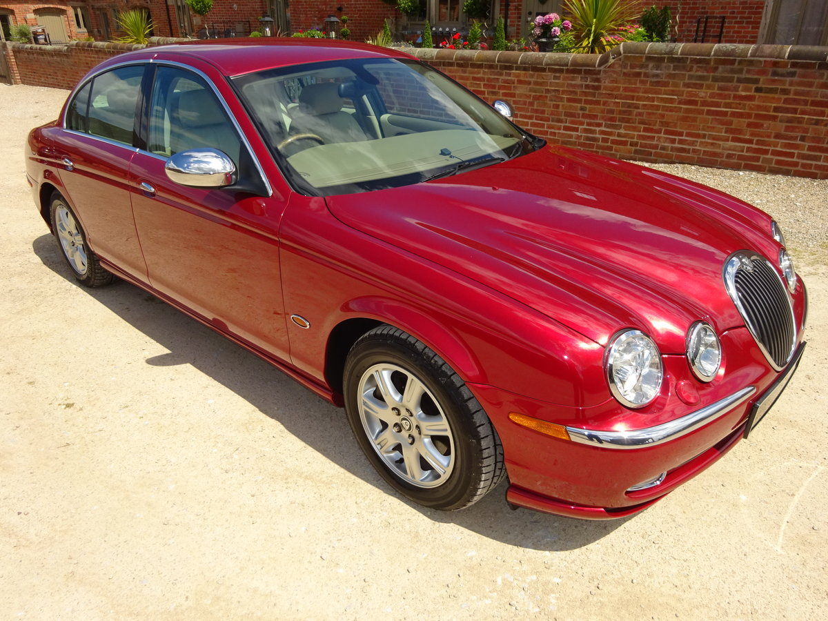 JAGUAR S TYPE 3.0 V6 AUTO 2003 14K MILES FROM NEW 1 OWNER  For Sale (picture 1 of 6)