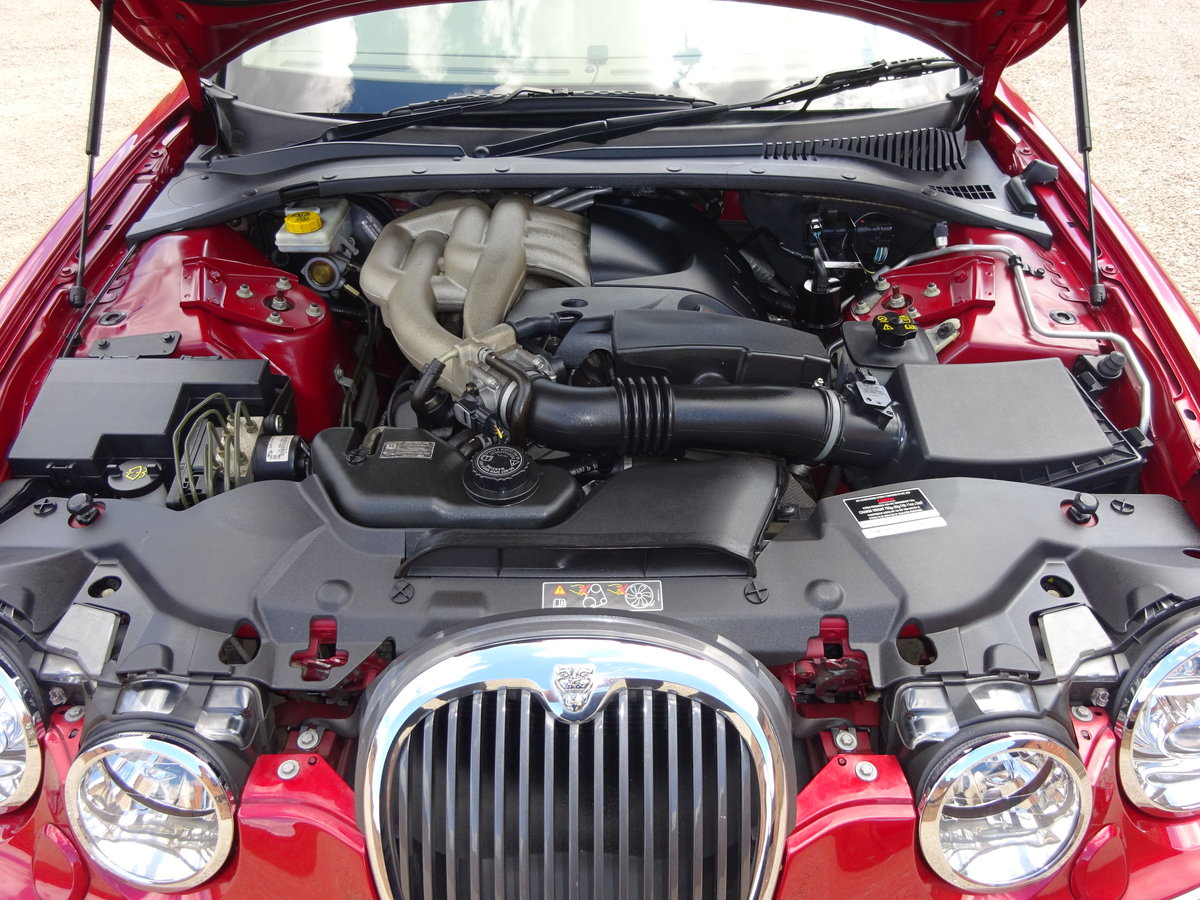 JAGUAR S TYPE 3.0 V6 AUTO 2003 14K MILES FROM NEW 1 OWNER  For Sale (picture 4 of 6)