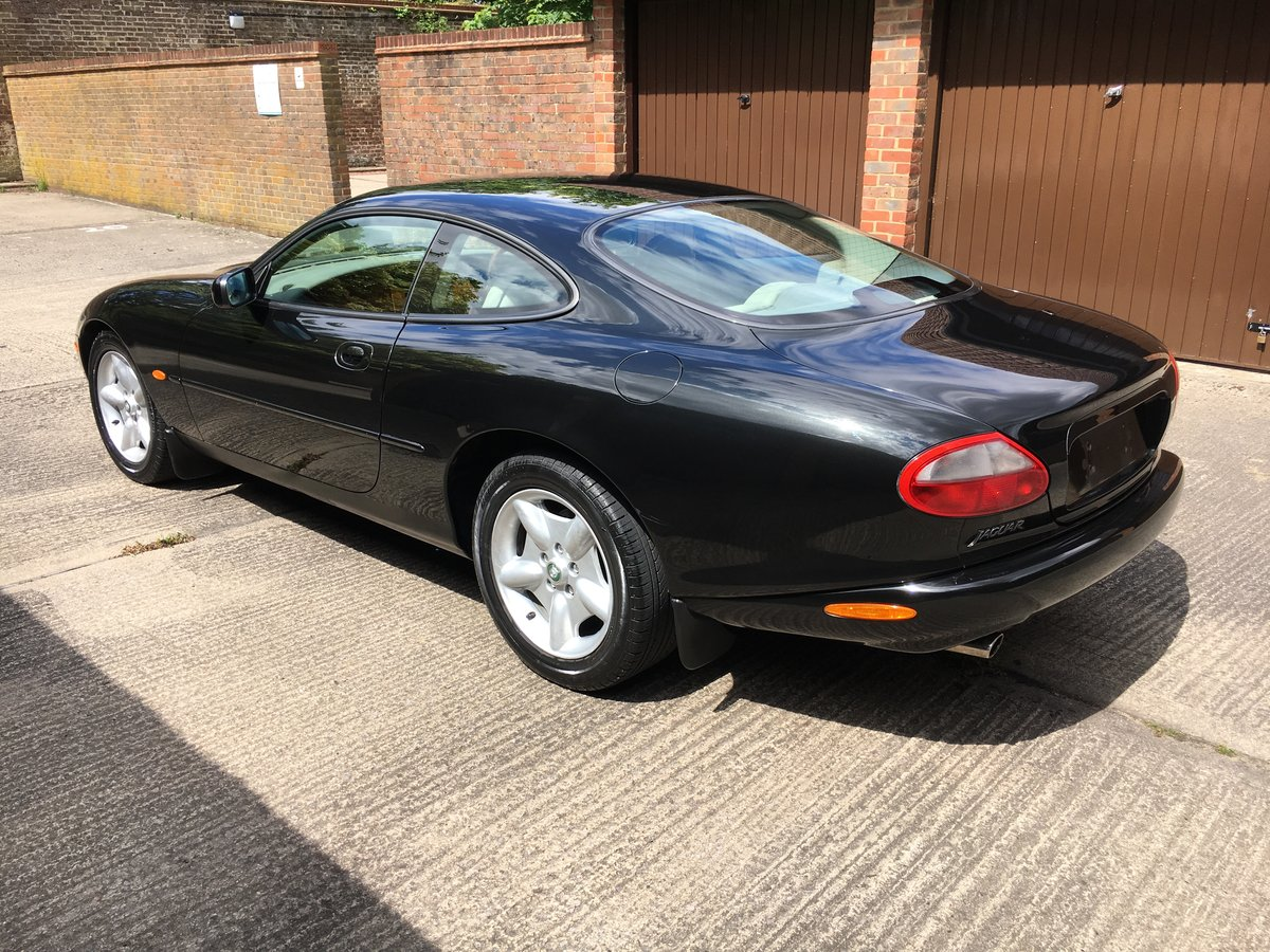 Jaguar XK8 1997 4.0 V8 with only 22064 miles from new!  For Sale (picture 2 of 6)