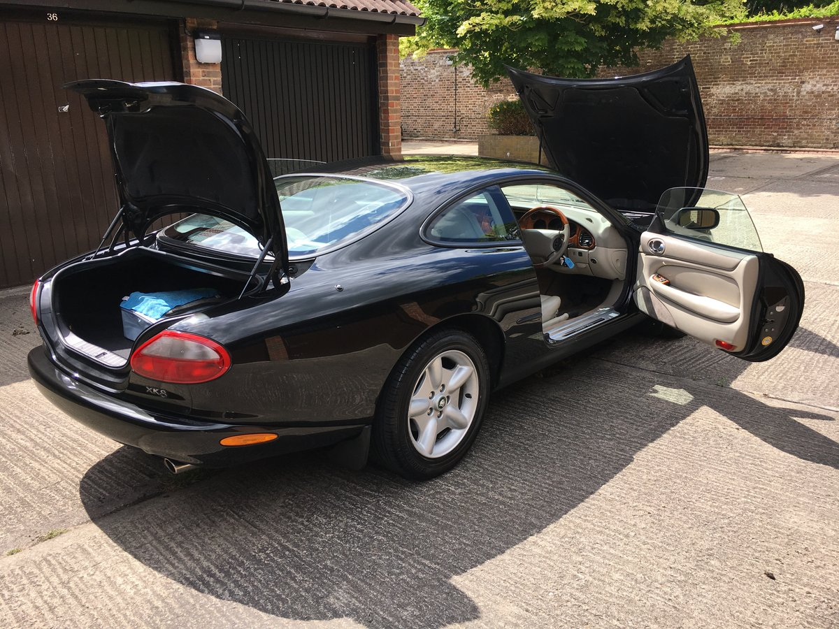 Jaguar XK8 1997 4.0 V8 with only 22064 miles from new!  For Sale (picture 6 of 6)
