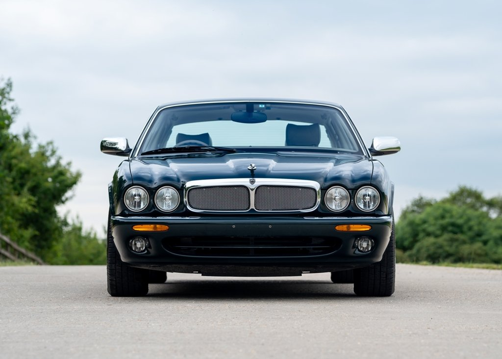 2003 Jaguar XJ8 Executive SOLD by Auction | Car And Classic