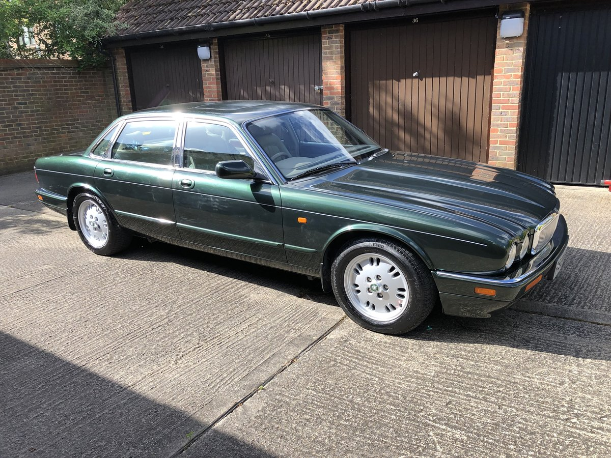 1997 Jaguar Sovereign 4.0 SWB Sunroof 69k 1 owner for 13 years  For Sale (picture 1 of 6)