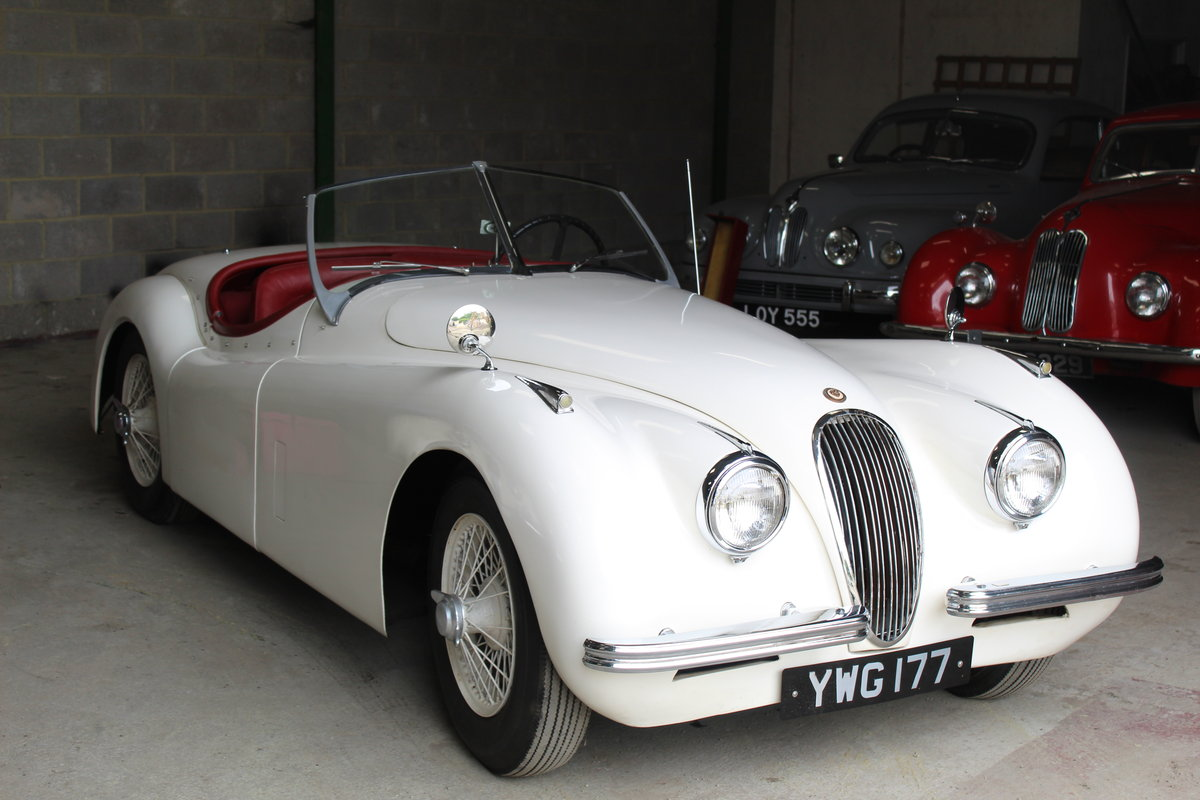 1953 Jaguar XK120 Roadster For Sale (picture 1 of 6)