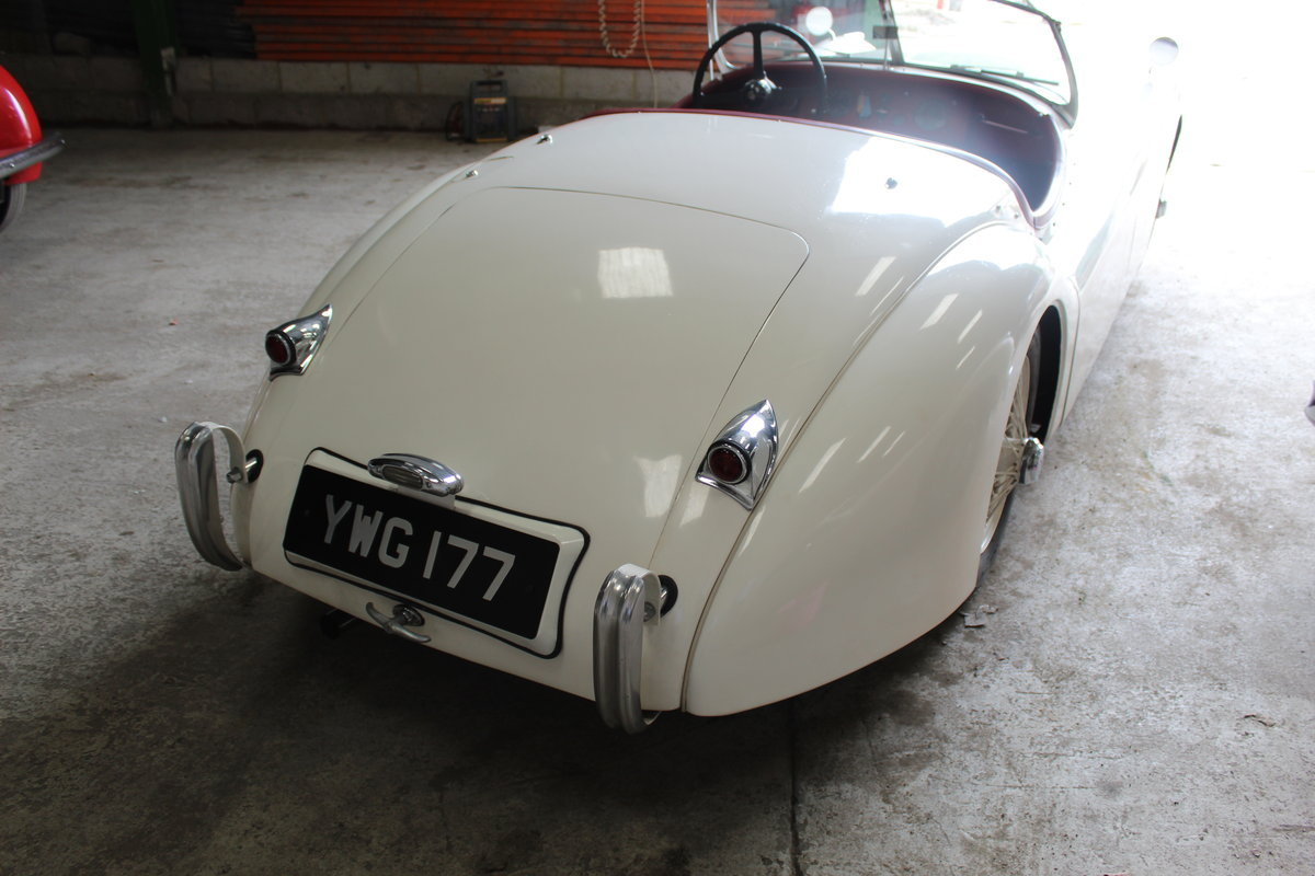 1953 Jaguar XK120 Roadster For Sale (picture 2 of 6)