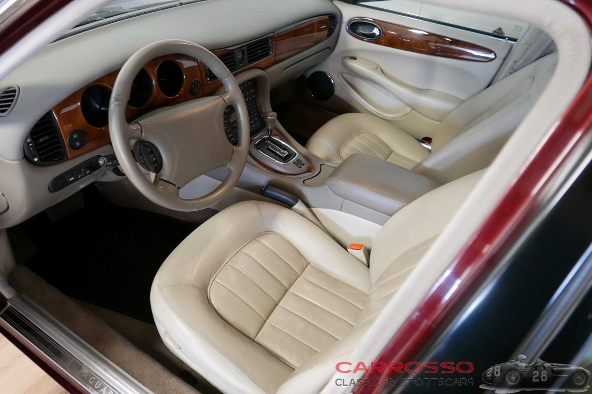 1998 Jaguar XJ8 Executive preserved in good condition For Sale (picture 3 of 6)