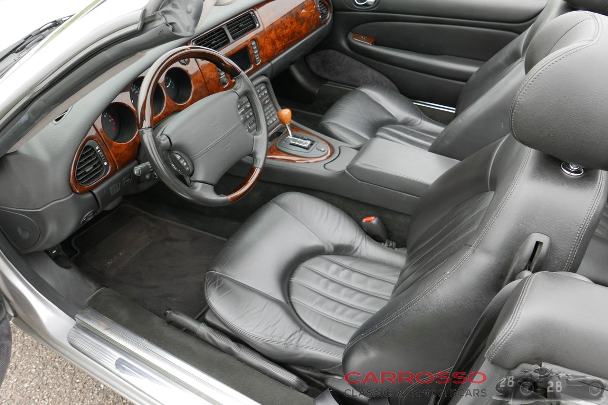 2004 Jaguar XK8 4.2 Convertible in very good condition For Sale (picture 3 of 6)