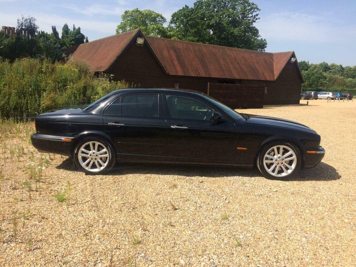 2004 Jaguar XJR 4.2 Auto Supercharged. 52k Miles Fsh Immacul For Sale (picture 2 of 6)